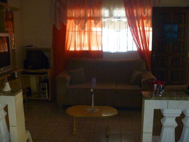 Casa de 3 dormitórios em Jardim Iracema, Barueri - SP