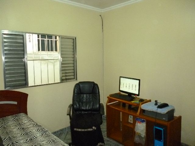 Casa à venda em Parque Santa Teresa, Carapicuíba - SP