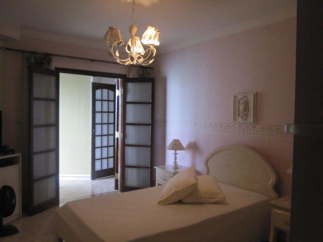 Sobrado de 4 dormitórios à venda em Jardim Bela Vista, Osasco - SP