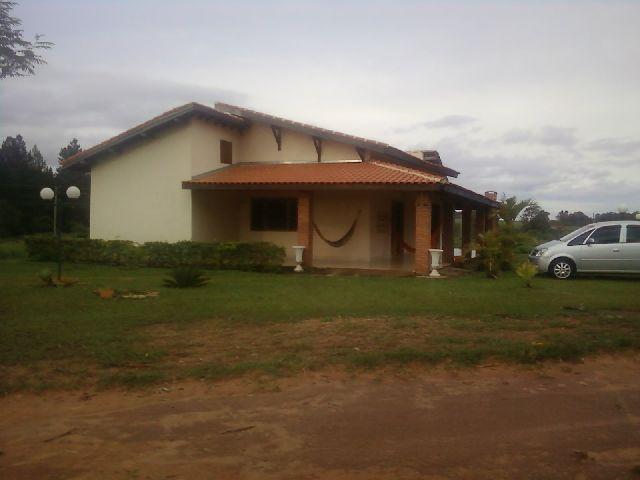 Casa de 2 dormitórios em Thermas De Santa Bárbara, Itaquaquecetuba - SP