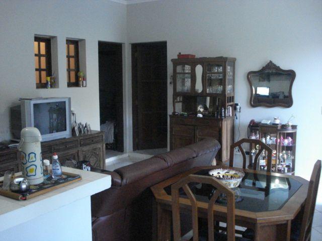 Casa de 6 dormitórios em Parque Nova Jandira, Jandira - SP