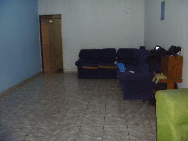 Casa de 2 dormitórios à venda em Parque Jandaia, Carapicuíba - SP