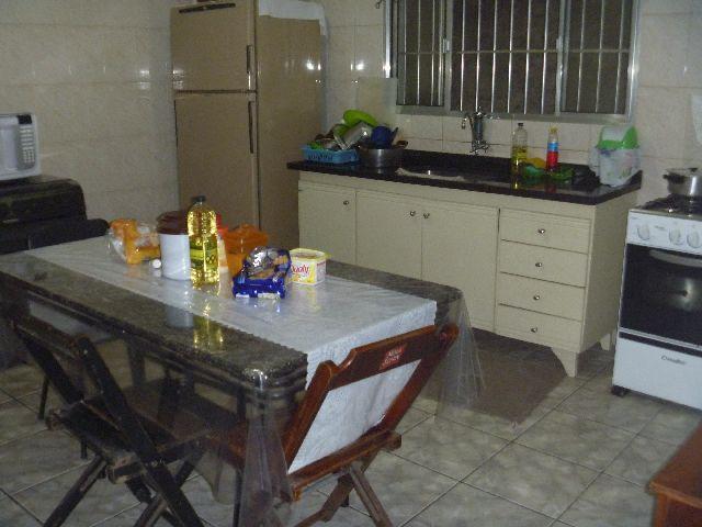 Casa de 2 dormitórios em Parque Jandaia, Carapicuíba - SP