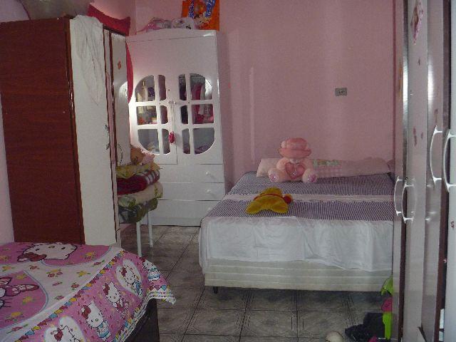Casa de 2 dormitórios em Recanto Campy, Carapicuíba - SP