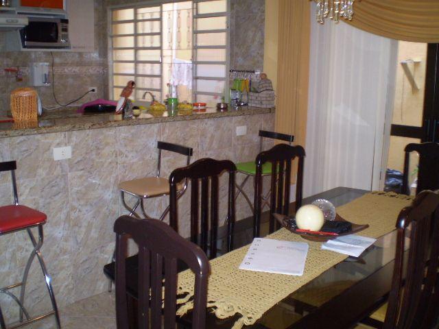 Casa de 4 dormitórios em Jardim Elvira, Osasco - SP