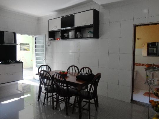 Casa em Vila Ayrosa, Osasco - SP