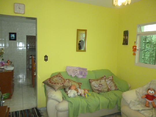 Casa à venda em Vila Dirce, Carapicuíba - SP