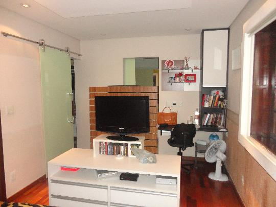 Casa de 6 dormitórios em Presidente Altino, Osasco - SP