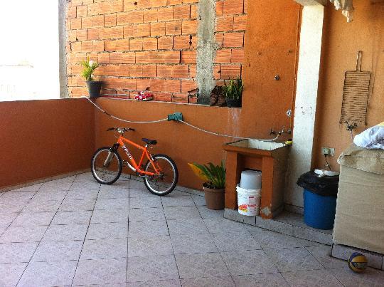 Sobrado à venda em Parque Santa Teresa, Carapicuíba - SP