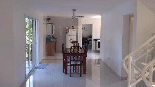 Casa de 3 dormitórios em Tarumã, Santana De Parnaíba - SP