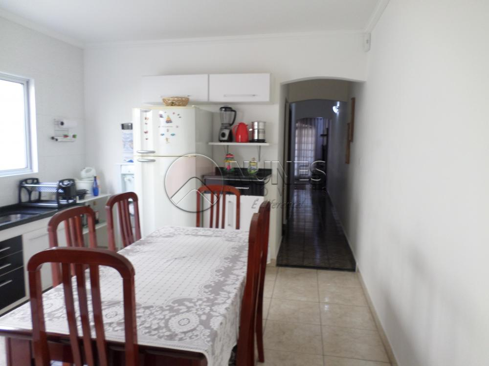 Casa de 2 dormitórios em Parque Santa Teresa, Carapicuíba - SP