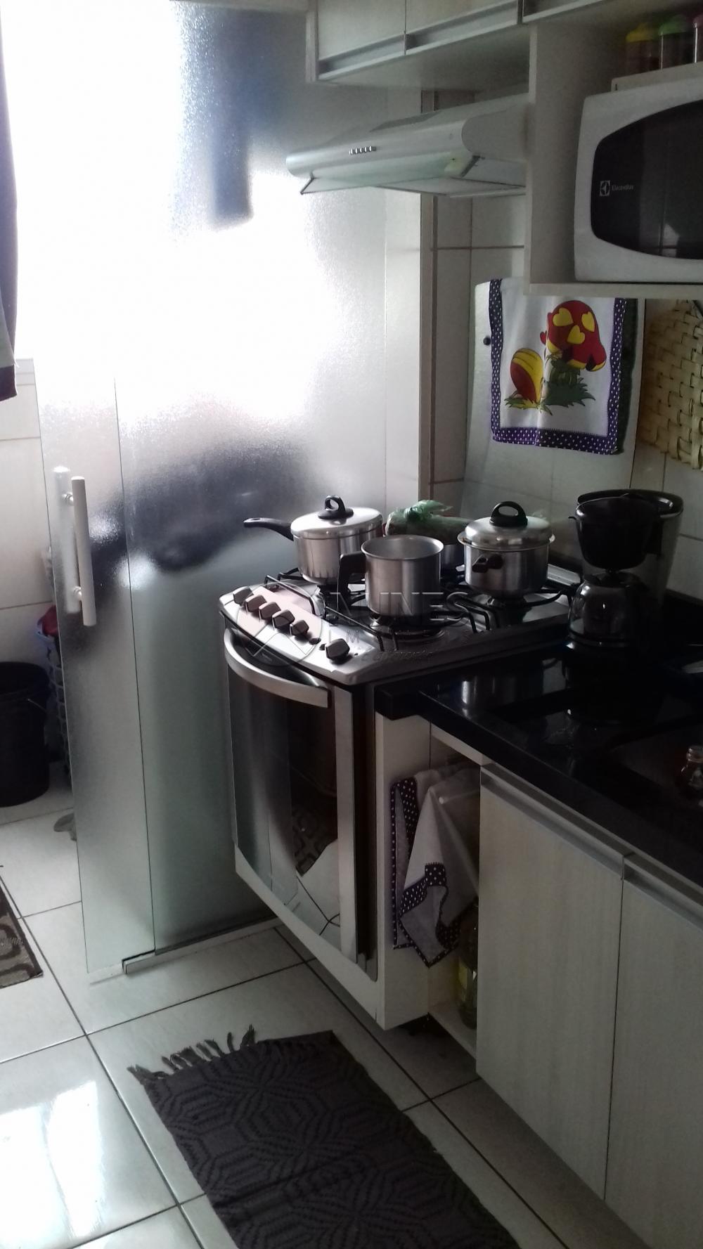 Comprar Apartamento / Padrão em Carapicuíba apenas R$ 210.000,00 - Foto 8