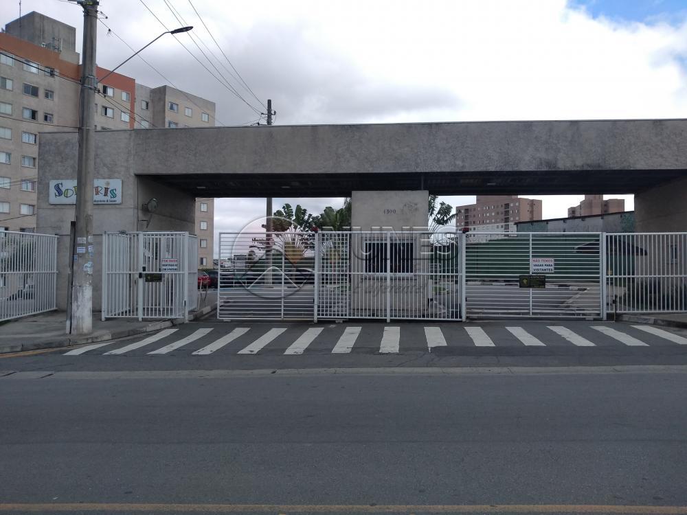 Alugar Apartamento / Padrão em Carapicuíba R$ 950,00 - Foto 1