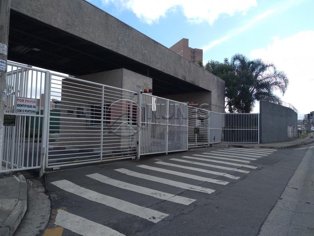 Alugar Apartamento / Padrão em Carapicuíba R$ 950,00 - Foto 2