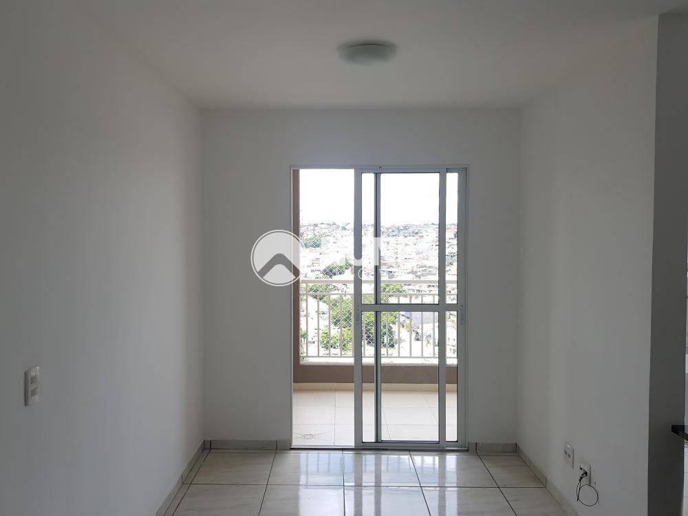 Alugar Apartamento / Padrão em Carapicuíba apenas R$ 1.350,00 - Foto 3