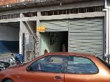 Alugar Comercial / Salão em Santana de Parnaíba. apenas R$ 1.500,00