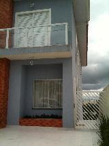 Alugar Casa / Cond.fechado em Cotia. apenas R$ 430.000,00
