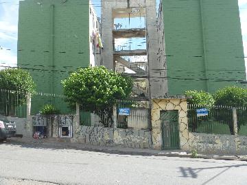 Alugar Apartamento / Padrão em Carapicuíba. apenas R$ 155.000,00