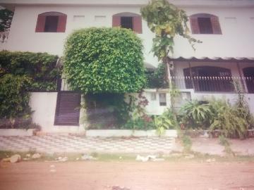 Alugar Casa / Sobrado em Guarujá. apenas R$ 300.000,00