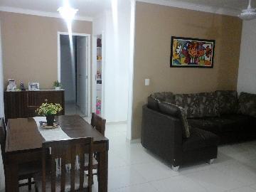 Alugar Apartamento / Padrão em Carapicuíba. apenas R$ 299.000,00