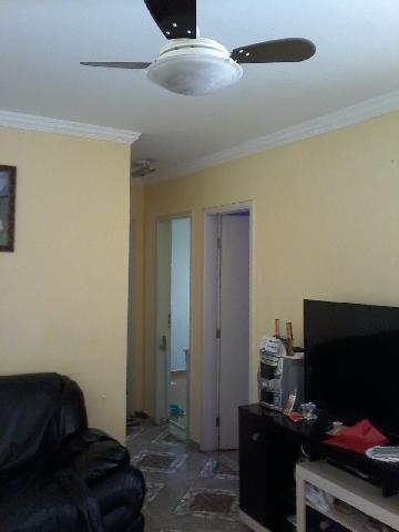 Alugar Apartamento / Apartamento em Carapicuíba. apenas R$ 165.000,00