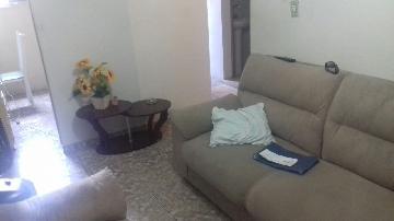 Alugar Apartamento / Apartamento em Carapicuíba. apenas R$ 135.000,00