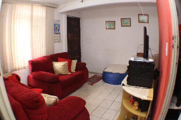 Alugar Apartamento / Padrão em Carapicuíba. apenas R$ 145.000,00