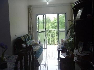 Alugar Apartamento / Padrão em Carapicuíba. apenas R$ 270.000,00