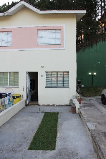 Alugar Casa / Cond.fechado em Jandira. apenas R$ 215.000,00