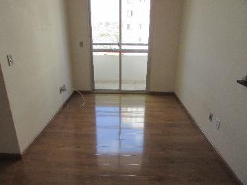 Alugar Apartamento / Padrão em Carapicuíba. apenas R$ 900,00