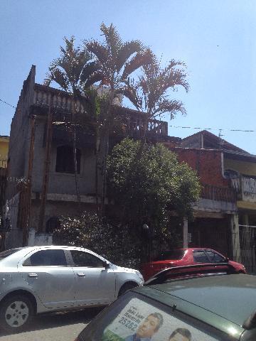 Alugar Casa / Sobrado em Carapicuíba. apenas R$ 400.000,00