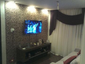 Comprar Apartamento / Padrão em Carapicuíba. apenas R$ 135.000,00
