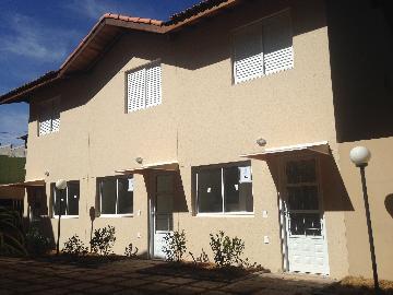 Alugar Casa / Cond.fechado em Cotia. apenas R$ 262.000,00