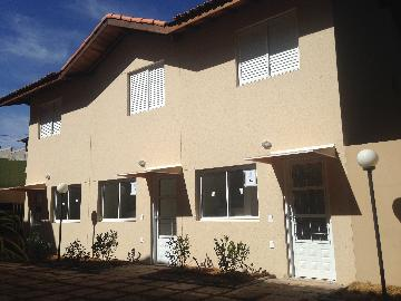 Alugar Casa / Cond.fechado em Cotia. apenas R$ 299.000,00