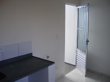 Casa / Cond.fechado em São Paulo Alugar por R$1.400,00