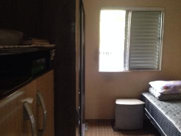 Comprar Apartamento / Padrão em Carapicuíba R$ 150.000,00 - Foto 3