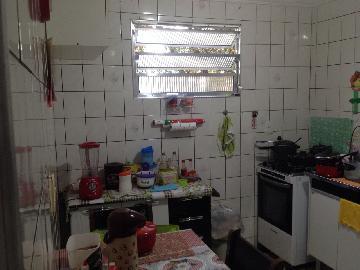 Comprar Apartamento / Padrão em Carapicuíba R$ 150.000,00 - Foto 5