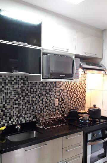 Apartamento / Padrão em Carapicuíba , Comprar por R$215.000,00