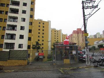 Apartamento / Padrão em Osasco Alugar por R$980,00