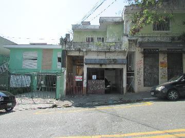 Alugar Casa / Casa Assobradada em Carapicuíba. apenas R$ 800,00