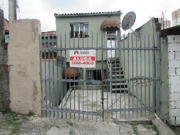 Alugar Casa / Casa Assobradada em Carapicuíba. apenas R$ 500,00