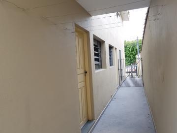 Alugar Casa / Terrea em Barueri apenas R$ 950,00 - Foto 7