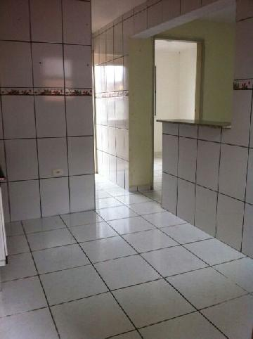 Comprar Apartamento / Padrão em Carapicuíba. apenas R$ 115.000,00