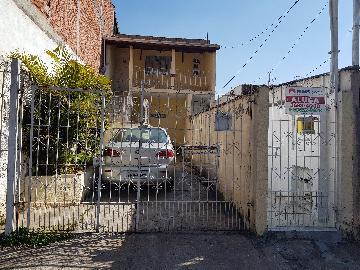 Alugar Casa / Terrea em Barueri. apenas R$ 900,00