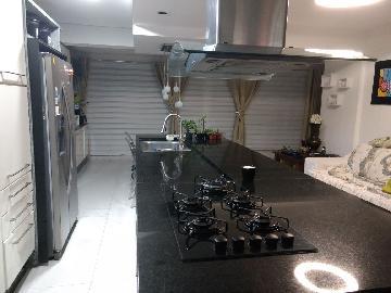 Cotia Chacara Pavoeiro Apartamento Venda R$995.000,00 Condominio R$1.160,00 4 Dormitorios 3 Vagas Area construida 254.00m2