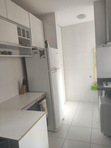 Alugar Apartamento / Padrão em Santana de Parnaíba. apenas R$ 235.000,00