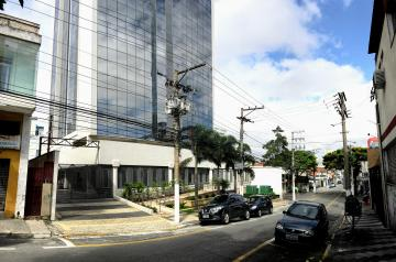 Comercial / Sala Comercial em Osasco Alugar por R$1.400,00