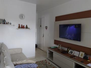 Alugar Apartamento / Padrão em Jandira. apenas R$ 215.000,00