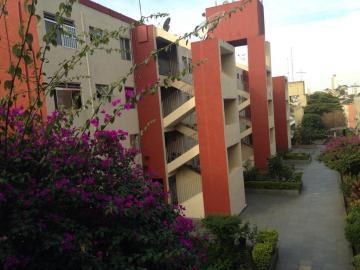 Comprar Apartamento / Padrão em Carapicuíba. apenas R$ 165.000,00