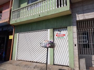 Alugar Casa / Assobradada em Carapicuíba. apenas R$ 700,00